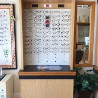 COMPLETE OFFICE OPTICAL FRAME DISPLAYS AND DISPENSING TABLES
